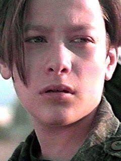 美少年だったターミネーター俳優、震撼ものの巨漢に激変!